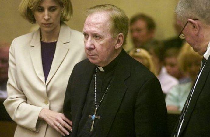 El obispo emérito de Phoenix, acusado de abusos sexuales