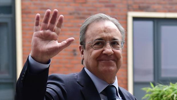 Los dos jugadores que se 'ofrecen' al Real Madrid a última hora (Florentino Pérez toma nota)