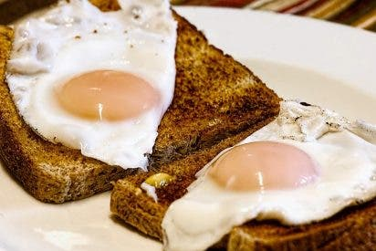 [VÍDEO] ¿Qué pasa si comes tres huevos diarios?