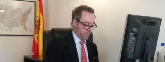 Destituido ipso facto el cónsul español en EEUU por burlarse en Facebook de Susana Díaz