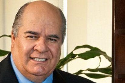 Julio Ligorria: Todopoderoso embajador en busca y captura