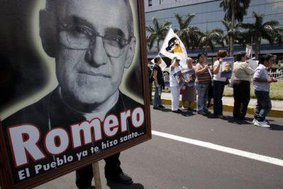 """Lozano: """"Acaricio y beso la tumba de Romero, su memoria y su vida"""""""