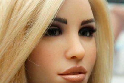 Esta muñeca sexual puede usarse desde el smartphone y tiene la capacidad de enamorarse