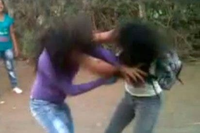 [VÍDEO] Así de violentas se disputaron estas dos chicas el amor de un hombre