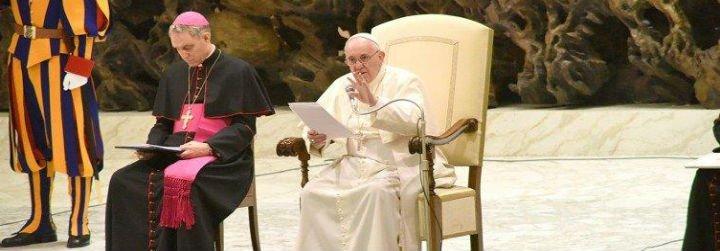 """Francisco: """"Cuanta más luz de Jesús haya en la vida de la Iglesia más viva estará la Iglesia"""""""