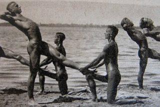 Nudistas alemanes: ni los nazis, ni los comunistas, ni la Segunda Guerra Mundial pudieron frenarlos
