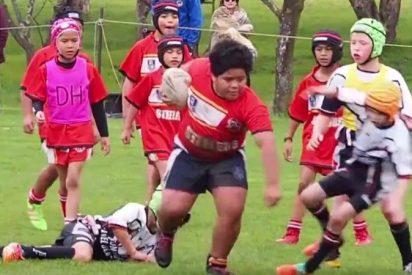 El gigante de 7 años que arrasa en el campeonato infantil de rugby