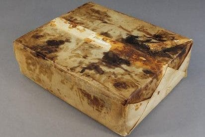 Encuentran este inquietante paquete de más de 100 años en la Antártida