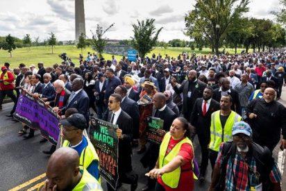 Un millar de líderes religiosos marchan contra el racismo de Donald Trump