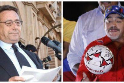 Alfonso Ussía se descojona a mandíbula batiente de Maradona en un artículo impecable