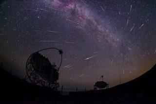 ¿Sabes cómo ver la popular lluvia de estrellas o Perseidas?
