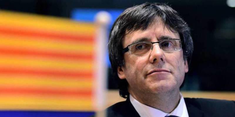 El 'hacker' de Puigdemont aconseja a los golpistas cómo acceder a las webs del referéndum bloqueadas