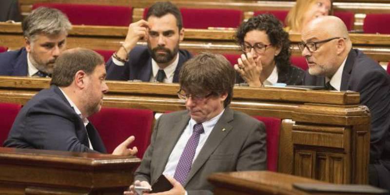 La Fiscalía del Estado se querellará contra todos los miembros del Gobierno catalán