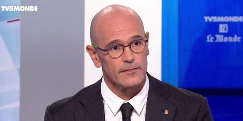 Tres periodistas franceses acorralan a Romeva y dan 'la del pulpo' por tomarles por tontos
