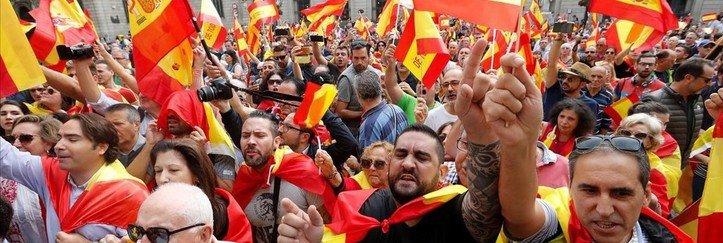 Manifestaciones en toda Cataluña a favor de la libertad, la Constitución y la unidad con España