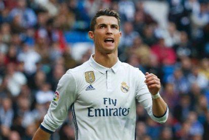 Cristiano Ronaldo alucina con el palo de un jugador del Barça a Valverde