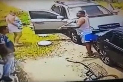 [VÍDEO+18] Este tipo disparó a sangre fría al panadero por venderle un pan 'viejo'