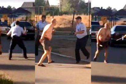 [VÍDEO] El loco que decapitó a un bebé y se paseó con su cabeza por la calle tras ser liberado de manicomio