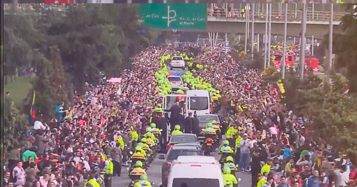 Toda Bogotá sale a la calle para despedirse del Papa Francisco