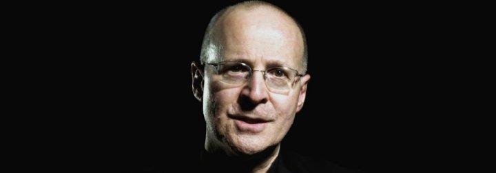 El jesuita James Martin sostiene que los católicos LGBT no están obligados a practicar la castidad