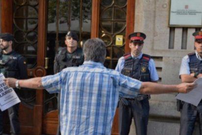 La Guardia Civil trinca a 16 'golpistas' y se incauta de 9 millones de papeletas para el ilegal 1-O
