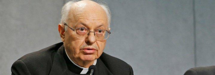 """El cardenal Baldisseri advierte que los jóvenes aún ven a la Iglesia como un """"lugar de prohibiciones"""""""