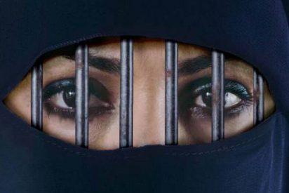 Los piadosos Jeques de Arabia Saudi autorizan por fin a las mujeres a conducir y ver partidos de fútbol