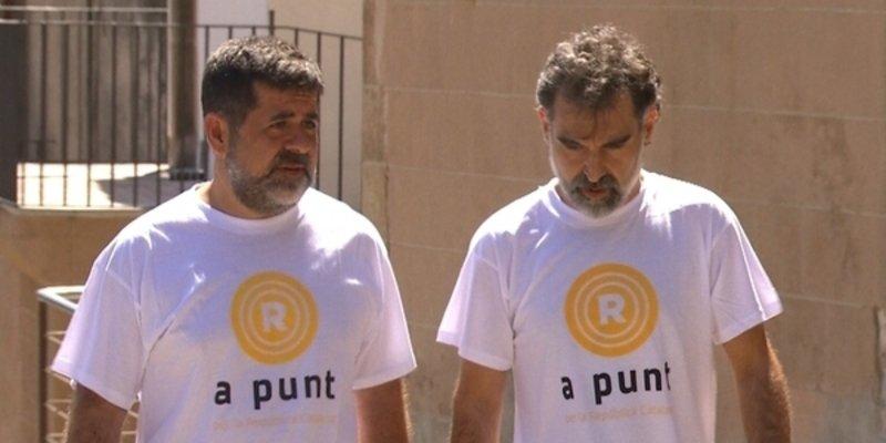 Los golpistas de ANC y Òmnium Cultural llaman a hacer 'listas' de los catalanes que no voten el 1-O
