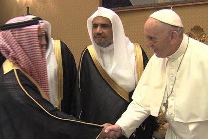El Papa recibió a representantes de la Liga Musulmana Mundial