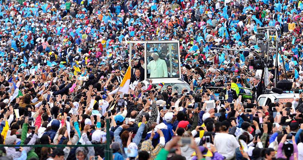 """""""El Papa nos muestra como debe ser nuestro caminar como pueblo"""""""