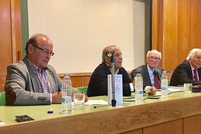 """Antonio Aradillas presenta 'Francisco, el papa reformador': """"Solo se le puede reprochar que no vaya más de prisa"""""""