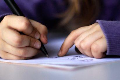 Pérez-Reverte, encantado con el mensaje de una niña de 7 años que arrasa en redes sociales
