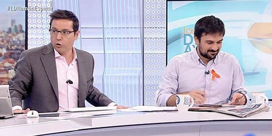 Nuevo masaje a Podemos en la sauna de Gundín: 'Espinar Black' se va entre abrazos de TVE