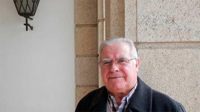Homenaje del ayuntamiento de Narón al cura Evaristo Lorenzo