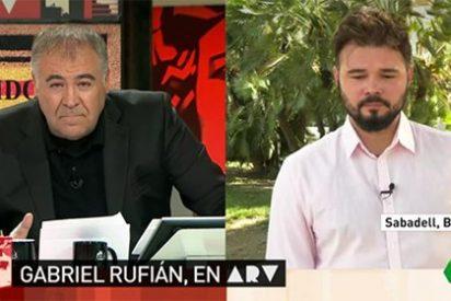 Recital de 'zascas' de García Ferreras para bajarle la chulería al bufón de Rufián