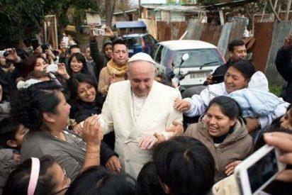 """Francisco: """"El sacerdote debe identificarse siempre con su pueblo"""""""
