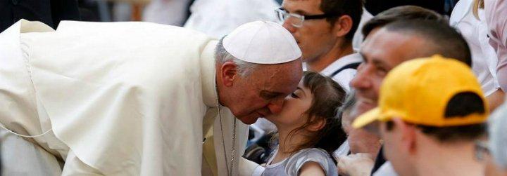 """Francisco: """"La Iglesia tiene la gran responsabilidad de seguir siendo, sin detenerse, un instrumento de misericordia"""""""
