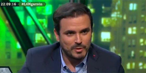 El chekista Alberto Garzón lloriquea por las críticas a su viaje a todo trapo a Nueva Zelanda