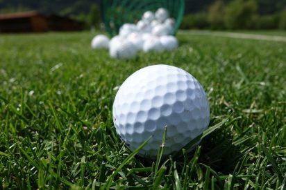"""Mujer corta los genitales a su marido por """"jugar mucho al golf"""""""