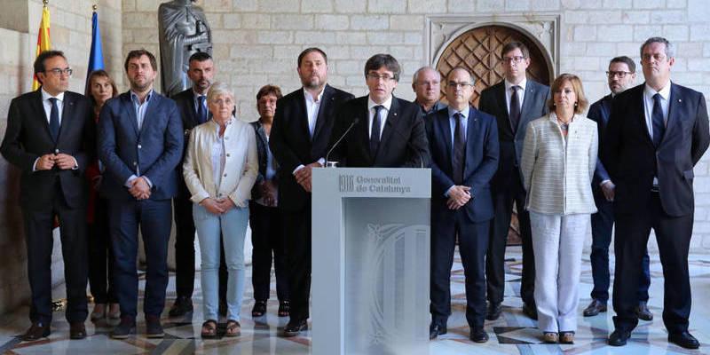 'El País': Las mentiras de Puigdemont