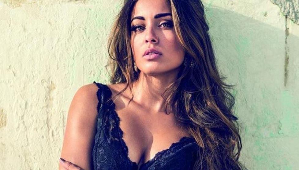 Hiba Abouk celebra la vida con este 'topless' en Instagram