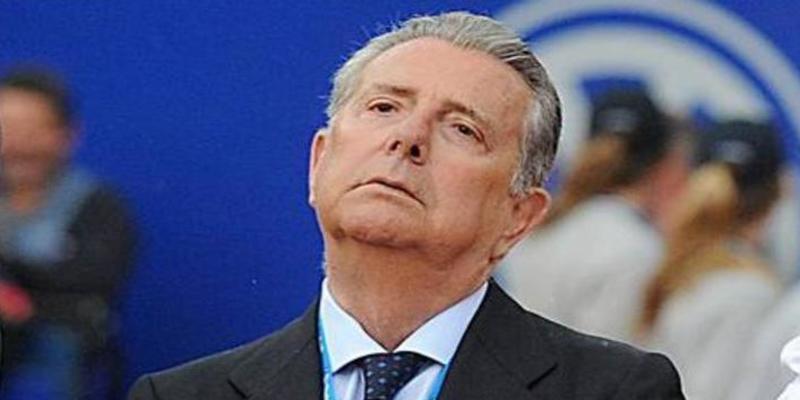 Alfonso Ussía pide el Rey que revoque al 'traidor' Conde de Godó el título y la Grandeza de España