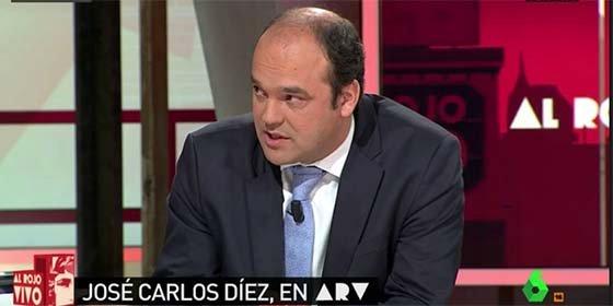 Garrafal patinazo del economista José Carlos Díez en Twitter, que paga con un revolcón su patoso desempeño en literatura