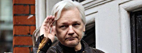 Julian Assange, el fundador de Wikileaks, pide la cabeza del director del Periodico de Catalunya