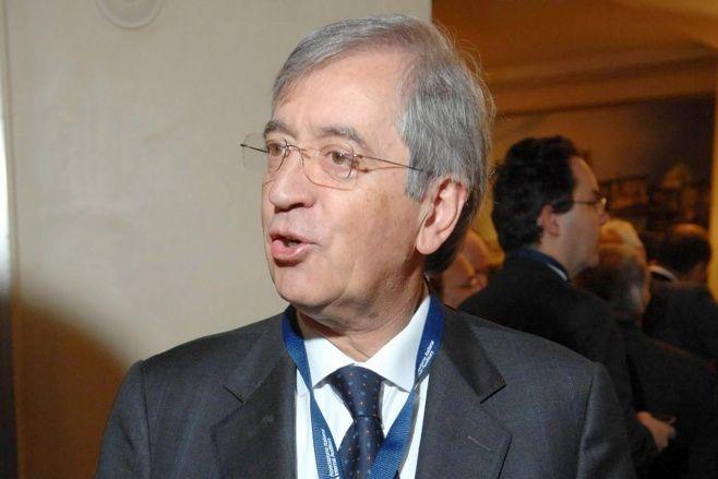 Roma acusa a Milone de investigar la vida privada de algunos mandatarios vaticanos