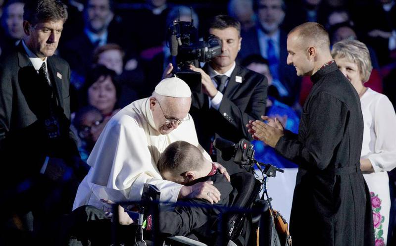 """El Papa pide """"garantizar la igualdad de oportunidades para todos"""""""