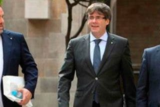 Santiago González coge por la pechera al fiscal general del Estado y le exige que proceda en Cataluña contra la cuadrilla de frikis separatistas