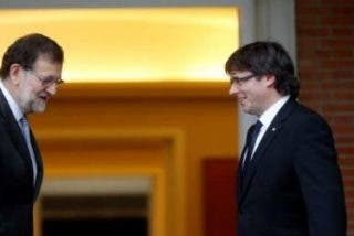El teólogo González Faus pide a Rajoy y Puigdemont que dialoguen y dimitan