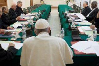 Menos clérigos y más mujeres, la propuesta del C9 para la Curia