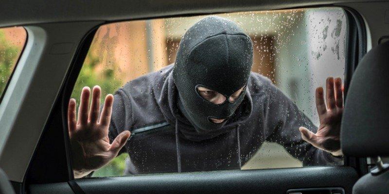 Los cacos tardan 30 segundos en abrir un coche y en España roban 40.000 al año